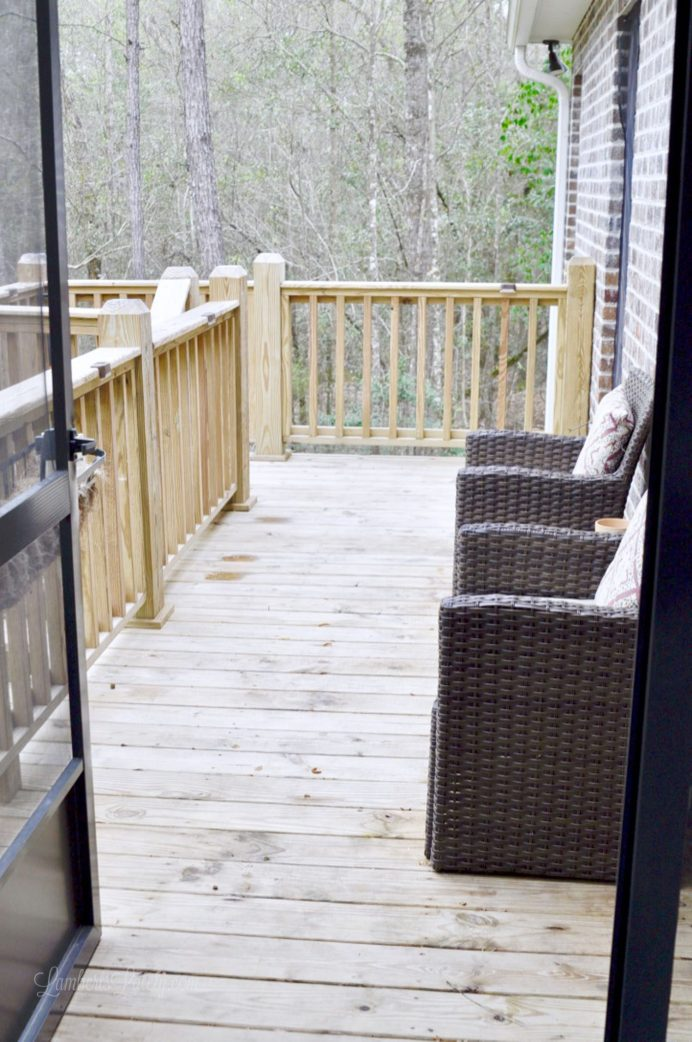 Cleaning A Wood Deck To Make It Look Like New