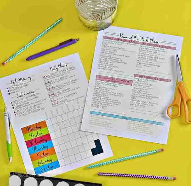 Find great tips for making your home look professionally cleaned... includes a free printable daily and weekly cleaning schedule! This easy system is for a working mom or stay at home mom.