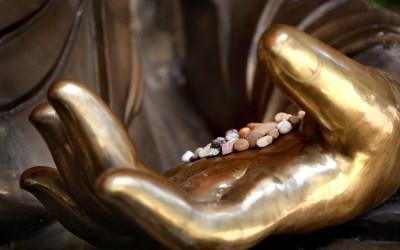 À quoi sert la position des mains et des doigts en Méditation ?