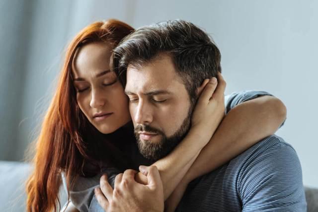 Las excusas que prolongan la dependencia emocional
