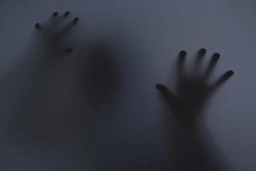 Hombre con miedo