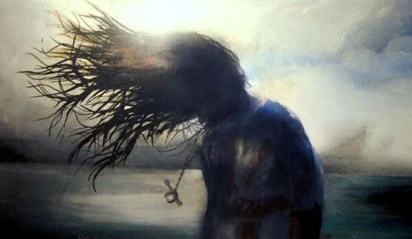mujer con el cabello suelto