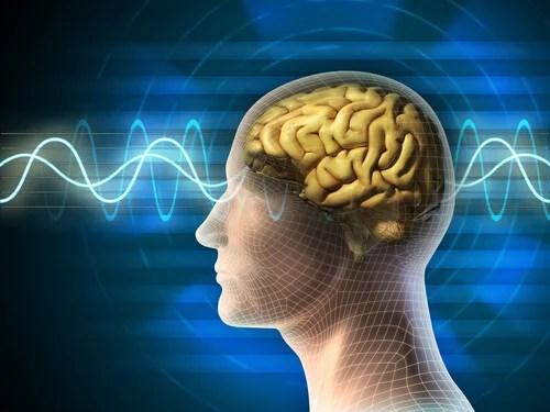 Mente de un hombre con ondas cerebrales