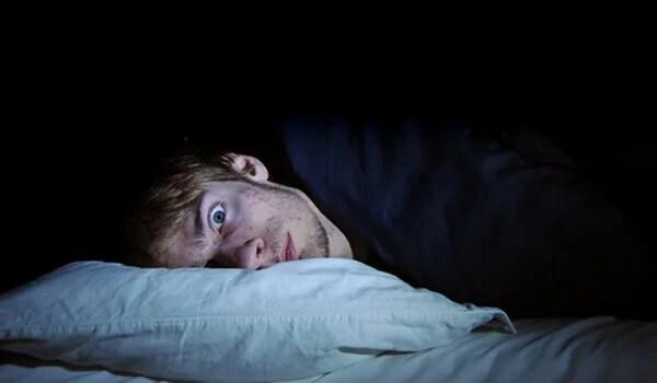 Hombre despierto