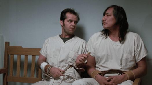 Randle avec un autre patient, des personnages du film Quelqu'un a survolé le nid du coucou