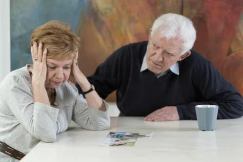 Pessoas idosas, discutir