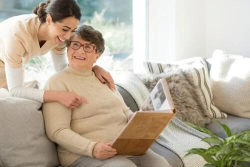 Cómo comunicarse con personas con demencia