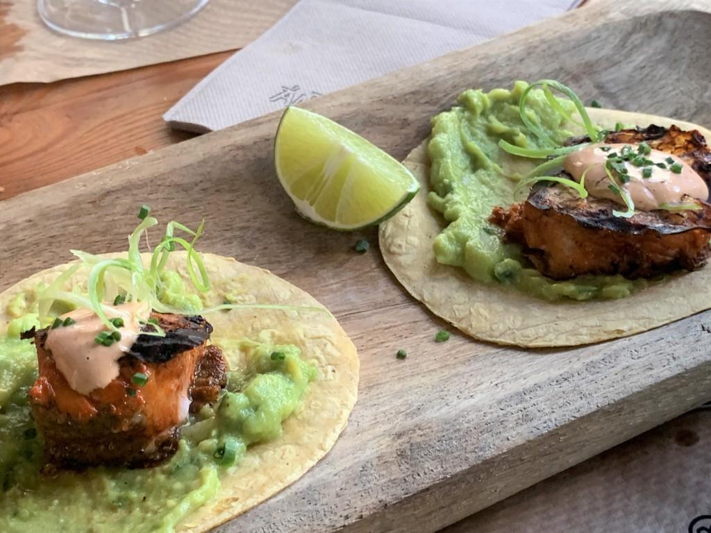 mesa-habla-andele-ponzano-tacos-bacalao