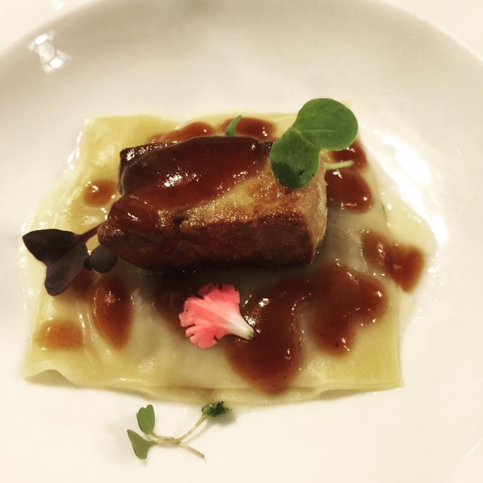 mesa-habla-casa-duque-ravioli-manita-lechon-foie-freso