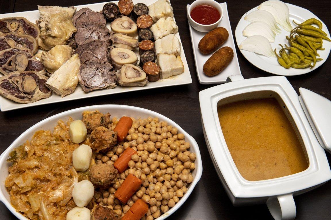 mesa-habla-cocido-madrileno-restaurante-pancipelao