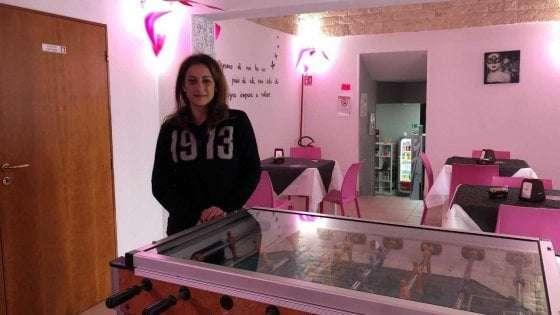 Biliardino al posto dei videopoker: l'iniziativa di una barista di Alberobello