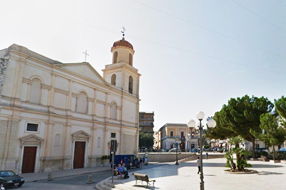 Canosa di Puglia, Perla di Puglia non compresa - Storia, Leggende e siti archeologici