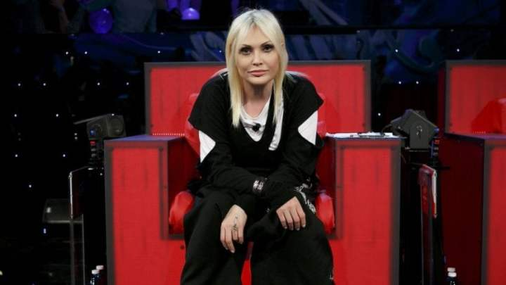 La barese Anna Oxa ritorna in classifica con una nuova raccolta di brani inediti