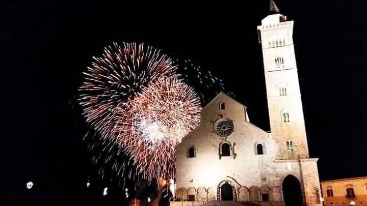 Il Festival dell'Arte Pirotecnica nella città di Trani: un'occasione per lasciare tutti con il naso all'insù