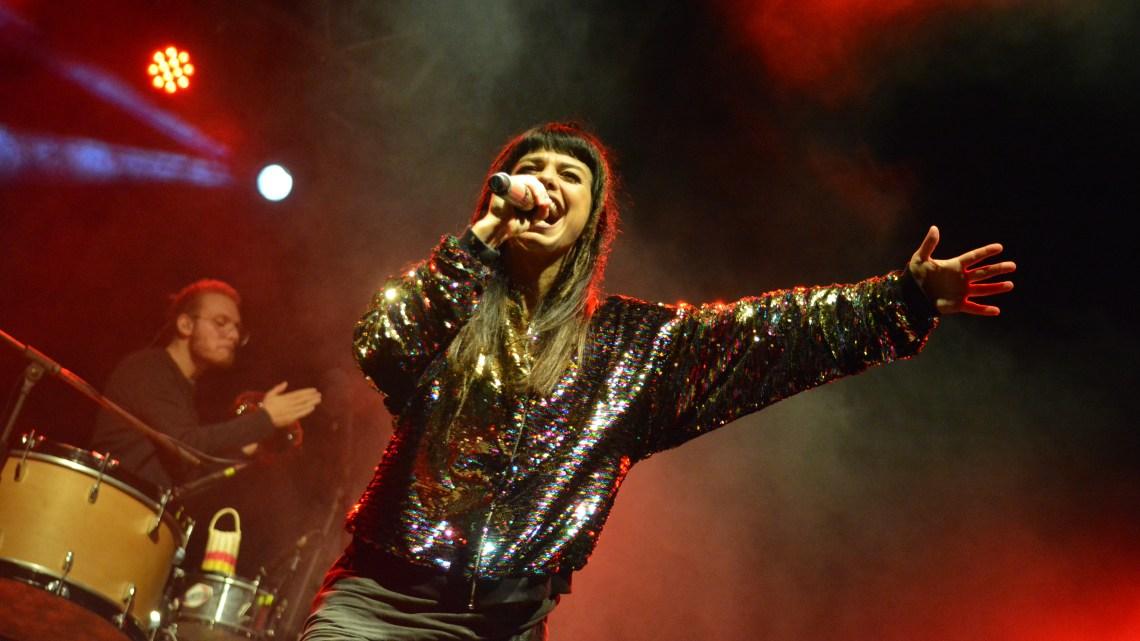 Dolcenera incanta Monte Sant'Angelo con i suoi brani più celebri.