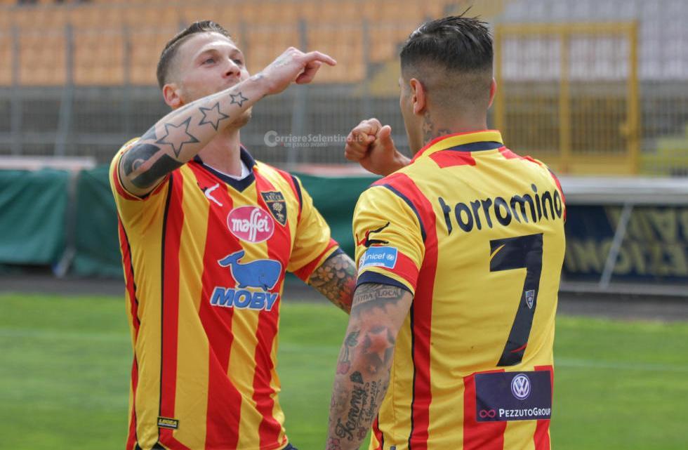 Calcio: Il Lecce perde contro la Lazio. Il Bari supera il Bisceglie e l'Audace vince