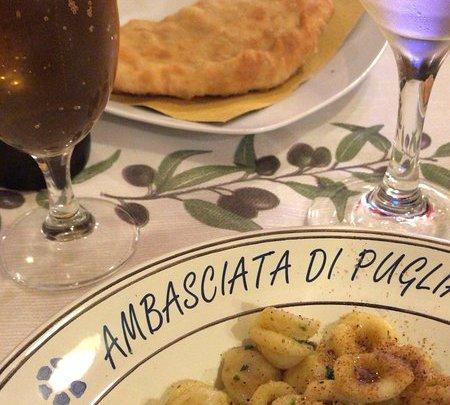 Ambasciata di Puglia: panzerotti per medici e pazienti dell'ospedale di Forlì
