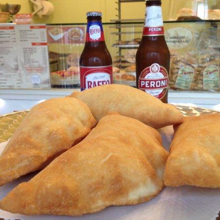 Panzerotto fritto pugliese: qualche curiosità sul prodotto tipico più amato della Puglia