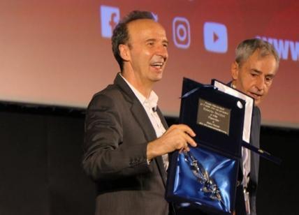 Bari: Roberto Benigni diverte il pubblico del Bif&st parlando in dialetto