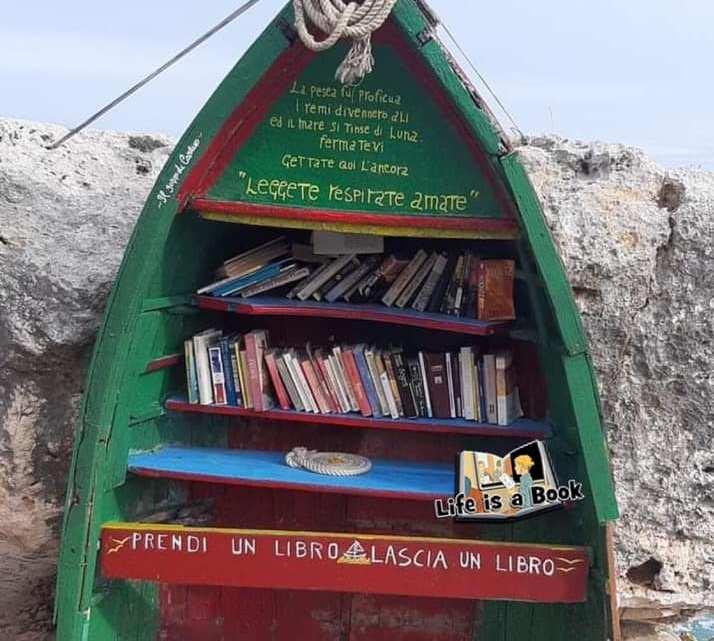"""Polignano a Mare, il vecchio """"gozzo di Carlino"""" si trasforma in Librarca"""