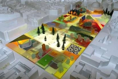 Photo prise le 07 avril 2004, lors d'une présentation à la presse, de la maquette du projet de réaménagement des Halles par l'architecte Winy Maas, qui figure parmi les quatre projets à l'étude par la ville de Paris pour la rénovation de ce quartier au coeur de la capitale. AFP PHOTO PIERRE ANDRIEU