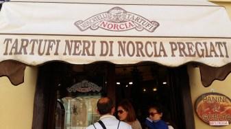 Norcia -Matrimonio e Vacanze in Umbria - Stilista Personale (3)