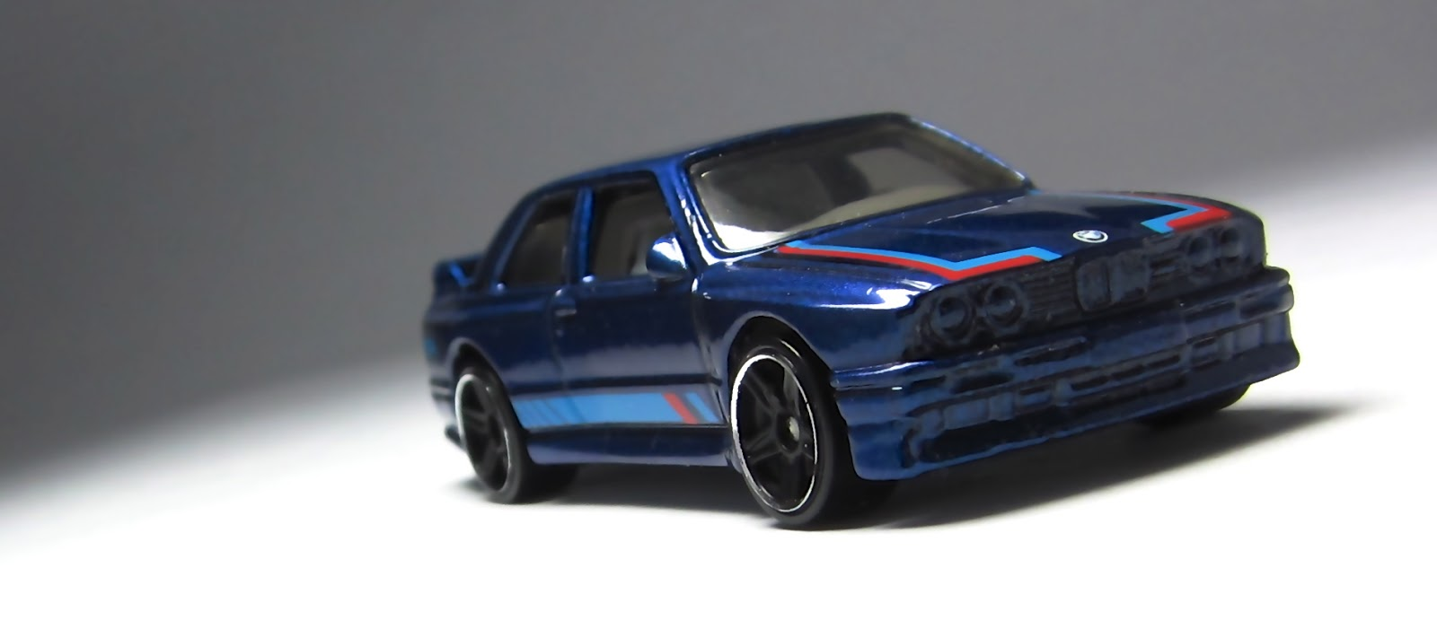 first look hot wheels 92 bmw m3 recolor in blue. Black Bedroom Furniture Sets. Home Design Ideas