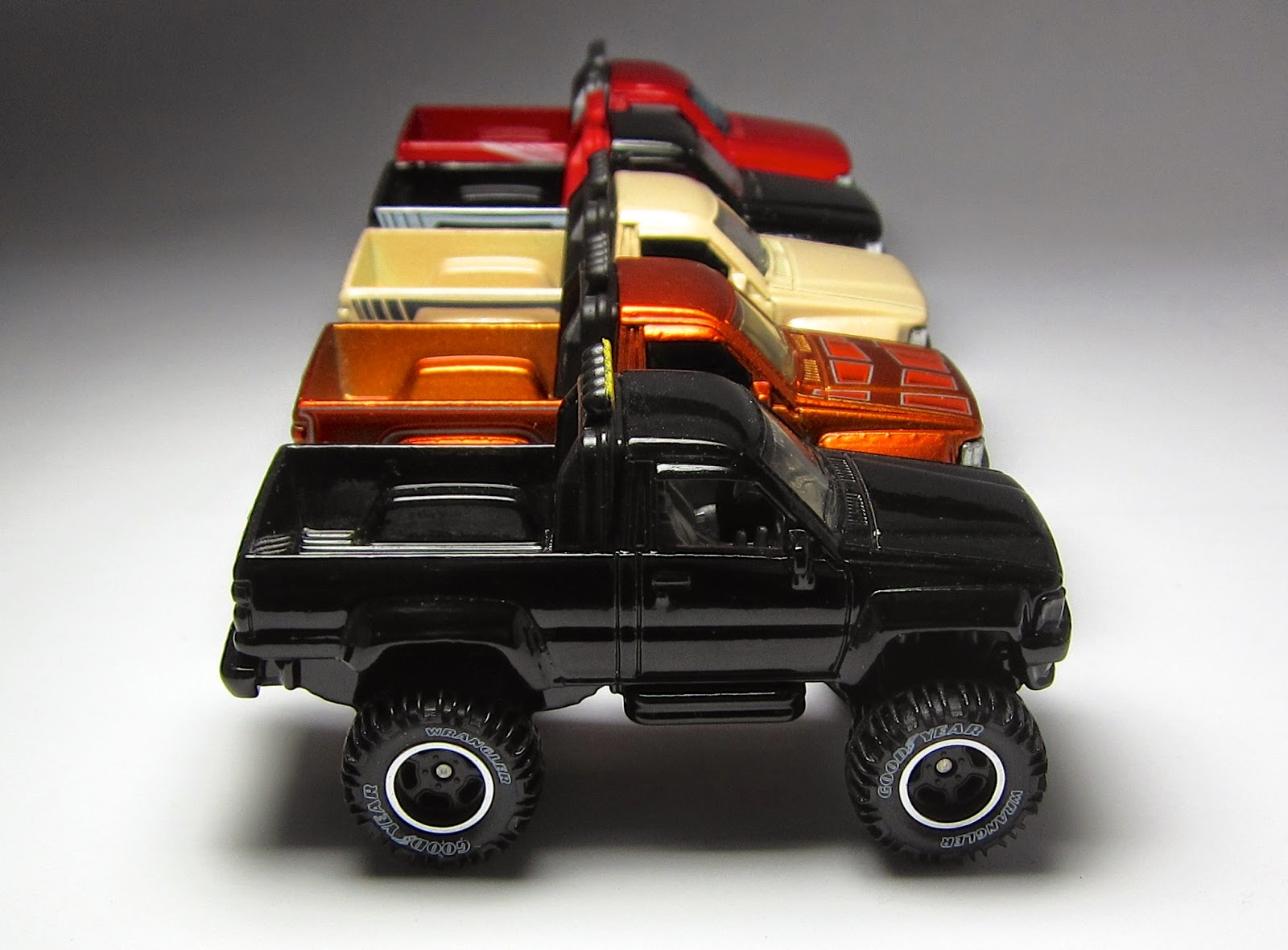 complete collection hot wheels 87 toyota pickup. Black Bedroom Furniture Sets. Home Design Ideas