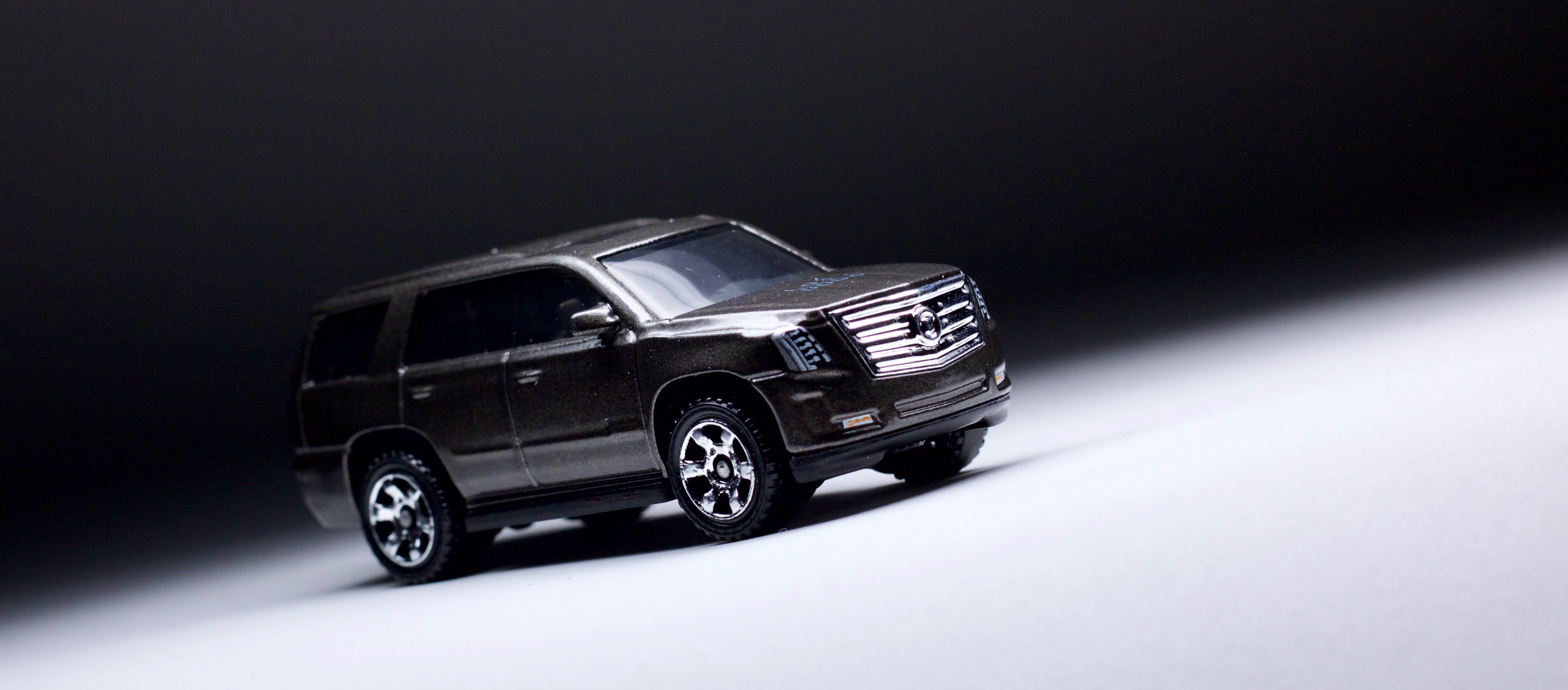 hybrid escalade speed top hy review cadillac cars accessories