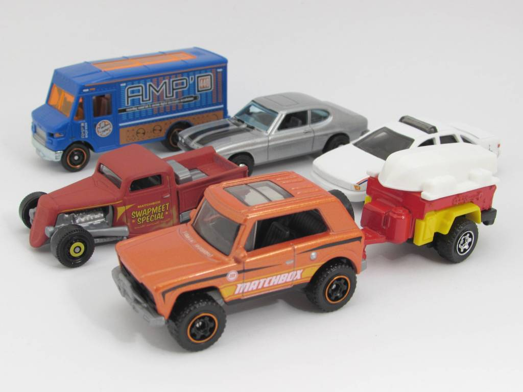 LAUNCH CONTROL TRACTOR-TRAILER and 3 parts MATCHBOX REAL TALKIN/' PACKS