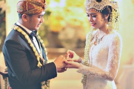 unique-wedding-traditions-from-around-indonesia-1