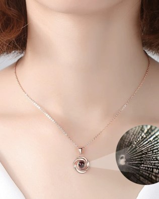 """I Iove you""100 Language Flower Shape Necklace Rose Gold"