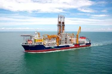 drill ship in ocean
