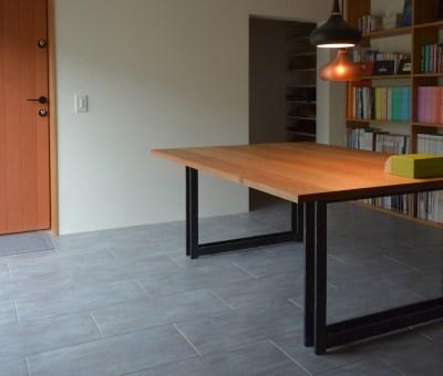クルミ材+アイアン鍛造加工テーブル