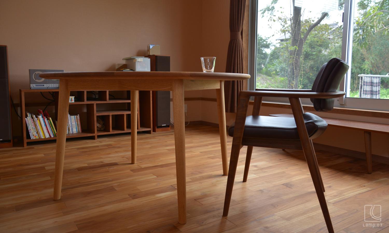 クルミ材円卓オーダーテーブル