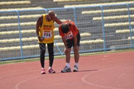 A fellow S'pore runner who cramped up 200m before finish line at Borneo Marathon 2009
