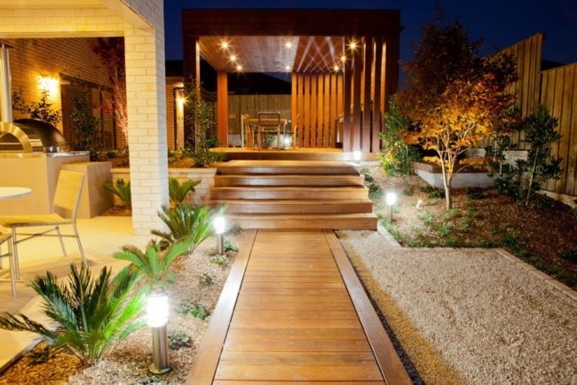 Outdoor-accent-lighting-ideas-5