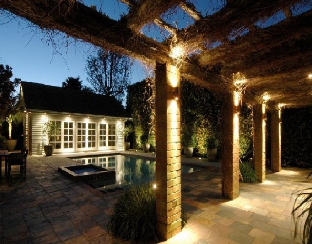 downlighting-patio