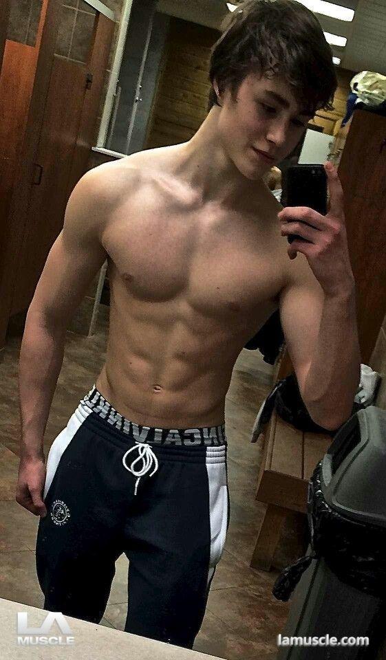 naked boy selfies tumblr