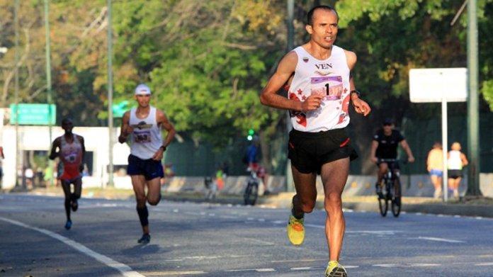 Didimo Sánchez gana Media Maratón Internacional en la Feria de San Sebastián