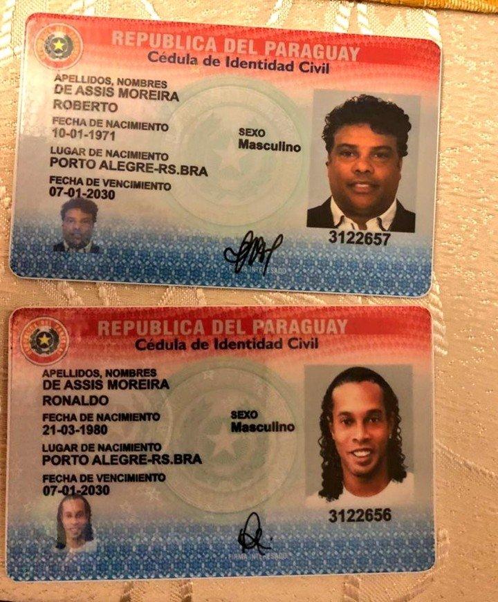 Los documentos alterados que usó Ronaldinho