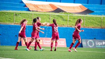 Con rabona incluida: el curioso penal que revoluciona al fútbol femenino de Costa Rica