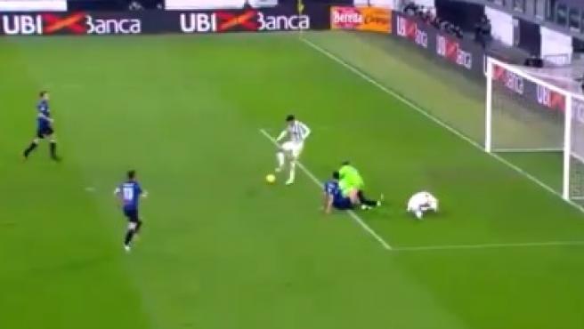 Morata se vuelve tendencia por fallar gol con el arco vacío con la Juventus por intentar marcar de tacón