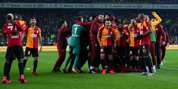 ¿No rinden por culpa de fiestas sexuales? La denuncia en Galatasaray
