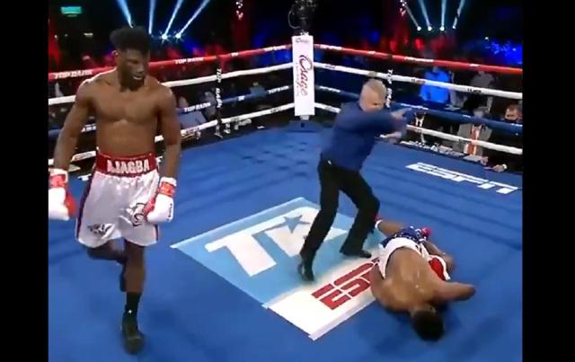 Boxeador nigeriano desplomó a su rival con un certero golpe