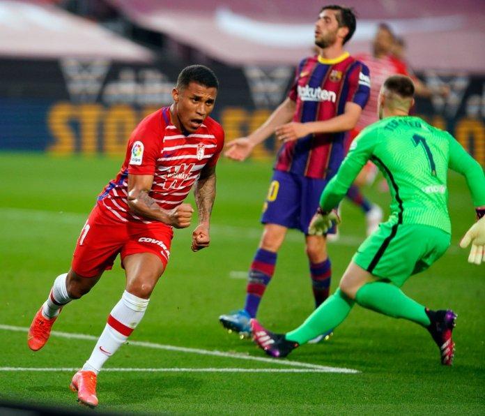 Darwin Machís marcó en el triunfo 2-1 de Granada sobre Barcelona