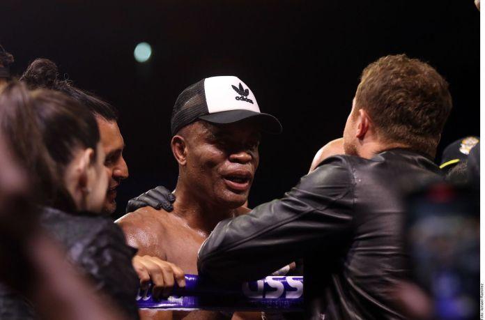 Anderson Silva se puso como un niño cuando Canelo Álvarez se acercó a felicitarlo en el ring