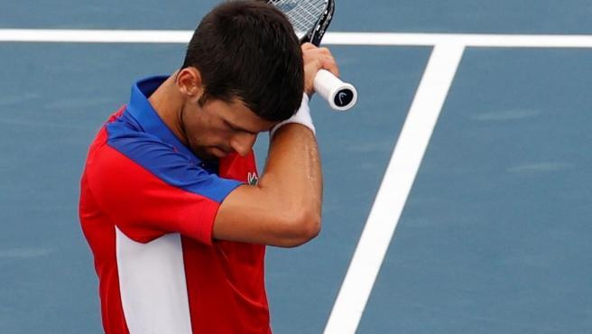 Zverev da la campanada y deja a Djokovic sin final olímpica con una sorprendente remontada