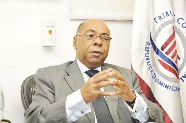 Milton Ray Guevara pide preservar Tribunal Constitucional