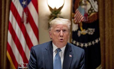 Trump amenaza con atacar 52 objetivos si Teherán toma represalias